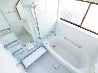 バスルームリフォーム 介護保険を利用しおじいちゃんも使いやすい浴室に