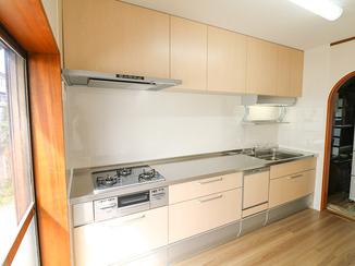 キッチンリフォーム お部屋の雰囲気まで明るくするキッチンルーム